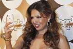 Thalía celebra a los hispanos con sus fans